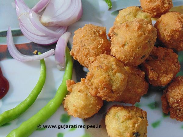 Gujarati Dalwada (Moong Dal)
