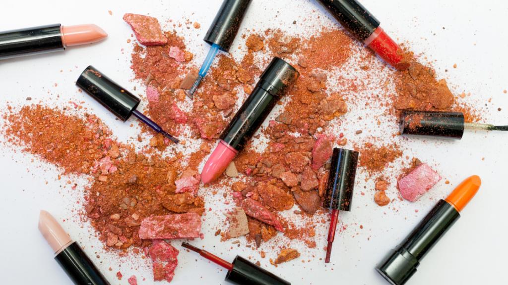 Faktor keamana dalam kosmetik impor