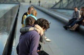 Couple se dit au revoir