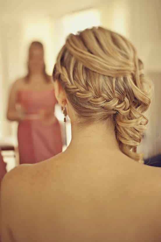 10 magnifiques coiffures pour un mariage tresses et nattes. Black Bedroom Furniture Sets. Home Design Ideas