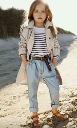 Une vraie mannequin sur la plage