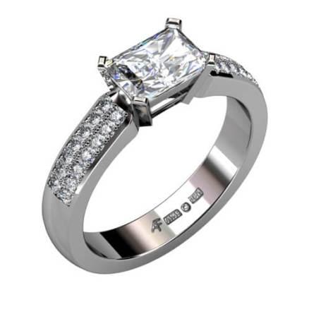 platinaring med diamanter