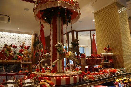 Butikken Niederegger julepyntet