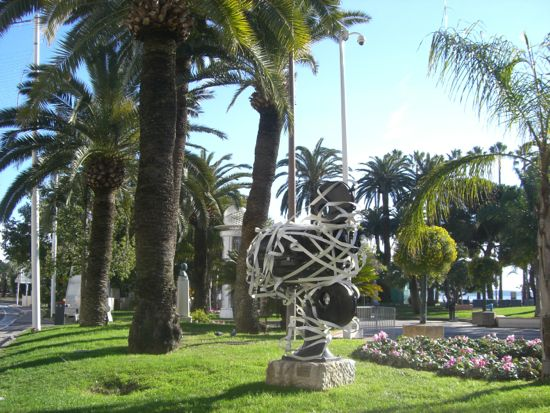 Skulptur filmoptager i Cannes