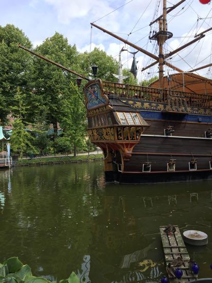 billede af Tivoli piratskib