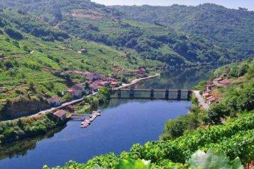 Renfe pone en marcha trenes por rutas temáticas para la promoción del turismo en Galicia