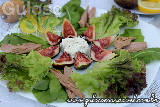 Salada com Figos e Cream Cheese