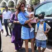 Shilpa Shetty With Mom And Kids At Gateway Of India