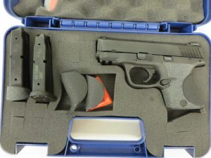 Used Smith & Wesson M&P40 Compact .40 S&W w/ case and extra magazine $385
