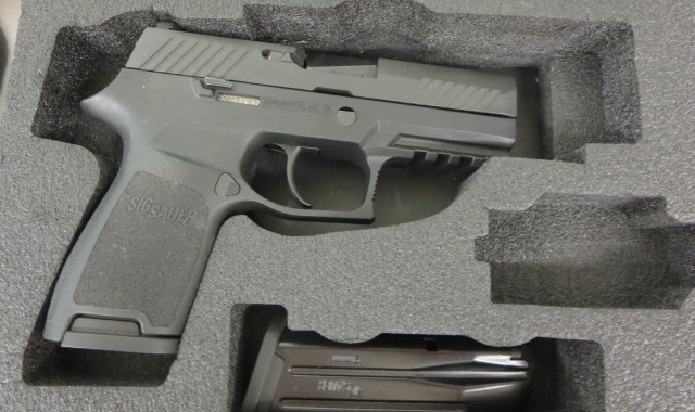 Used Sig Sauer P320 Compact 9mm w/ extra magazine and box