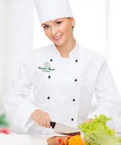 Kokk med grønnsaker