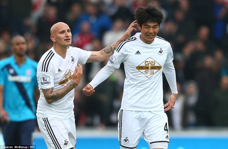 Ki Sung Yueng and Jonjo Shelvey