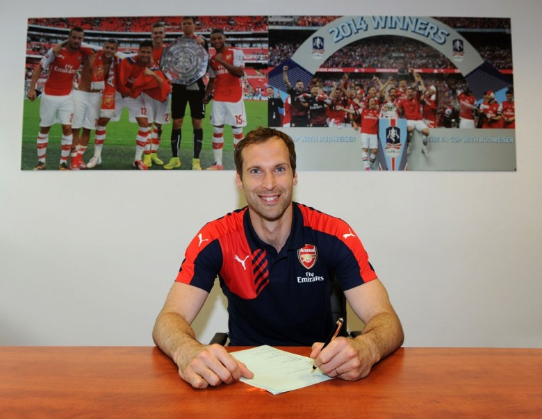 Cech signs for Arsenal