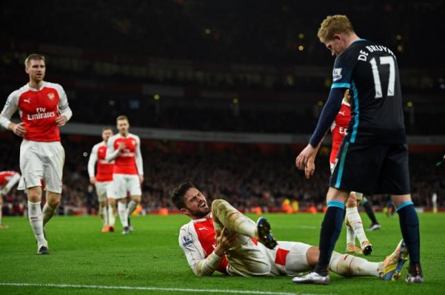 For a big guy Giroud sure spends a lot of time on the ground...