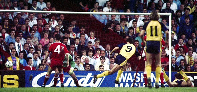 Smudger's glancing header at Anfield 1989