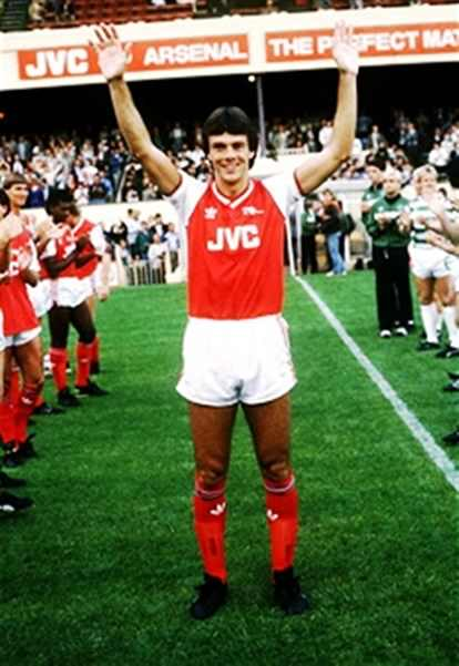 Arsenal and Celtic give O'Leary a Guard of Honour at his testimonial