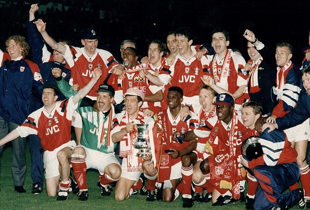 Merse and the rest of the team celebrate Winning the FA Cup in 1993