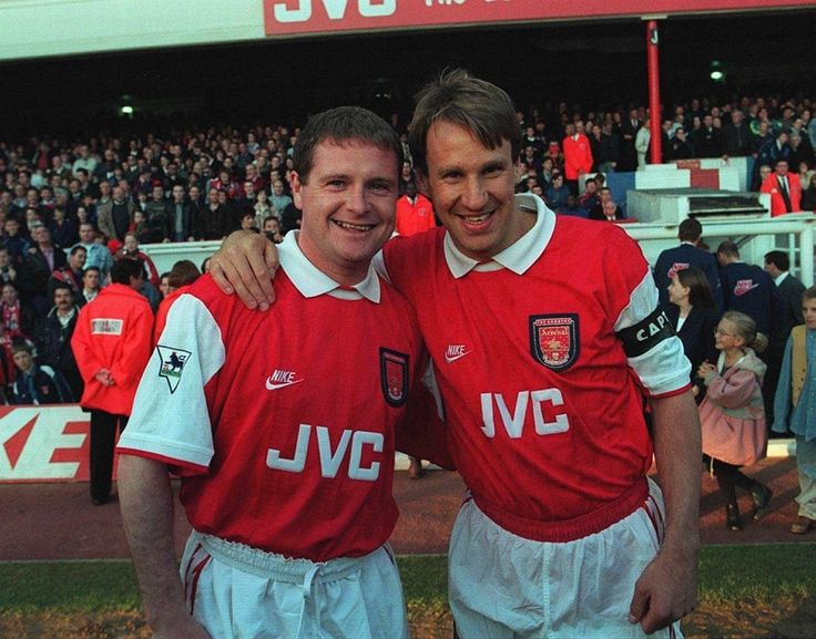 Merse with Gazza in their Arsenal kit!