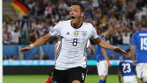 Ozil Celebrate Germany