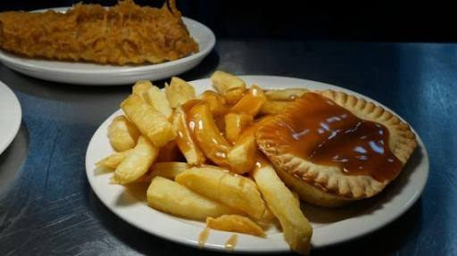 Pie chips gravy