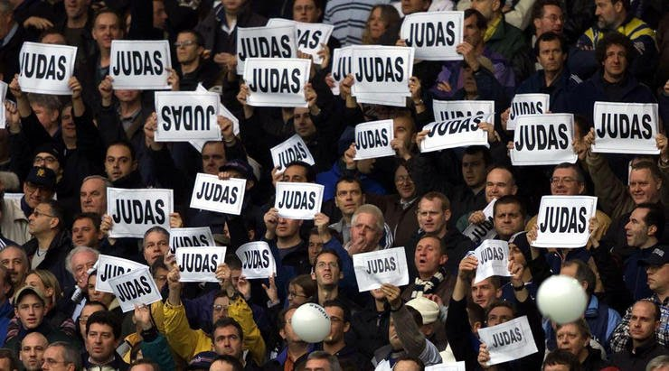 The Tottenham fans show what they think of their former captain
