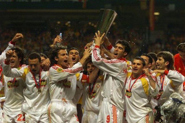 Arsenal-v-Galatasaray-EUFA-Cup-Final-2000