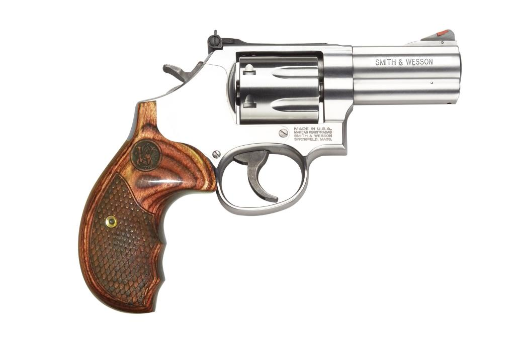 Smith & Wesson 686-6 Deluxe 7 Shot 3 Inch 357 022188141573