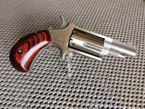 "NAA 22M 22 Magnum Rosewood Grip Single 22 Winchester Magnum Rimfire (WMR) 1.6"" 5 Shot"