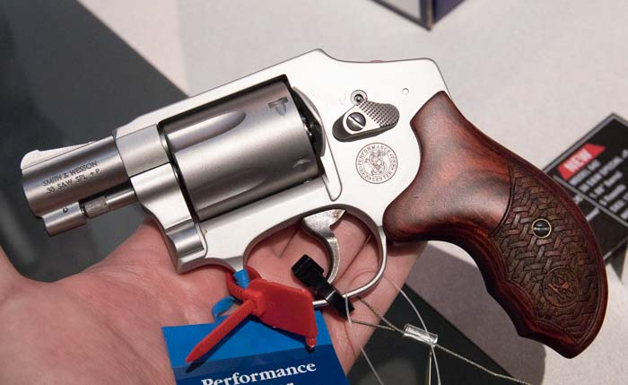 Smith and Wesson 642 Performance Center 1