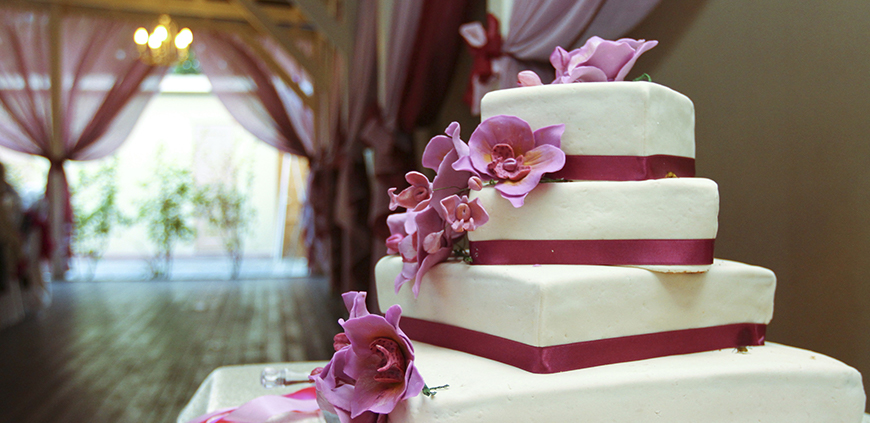 wedding cake delivery