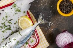 Lacivert'te Dil Balığı ve Hardal Otu mönüsü