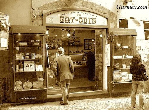 gay-odin-napoli-italya