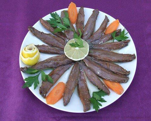 Tuzlu sardalye nasıl yapılır, yöresel Çanakkale yemekleri lezzetleri