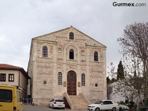Nilüfer Gezilecek Yerler Aziz Panteleimon kilisesi gölyazı