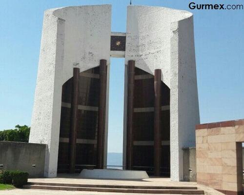Gemlik Gezilecek Yerler,Celal Bayar anıt mezarı Umurbey