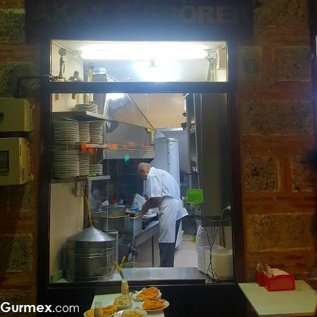Akay Çiğbörekçisi,Bursada çiğ börek nerede yenir