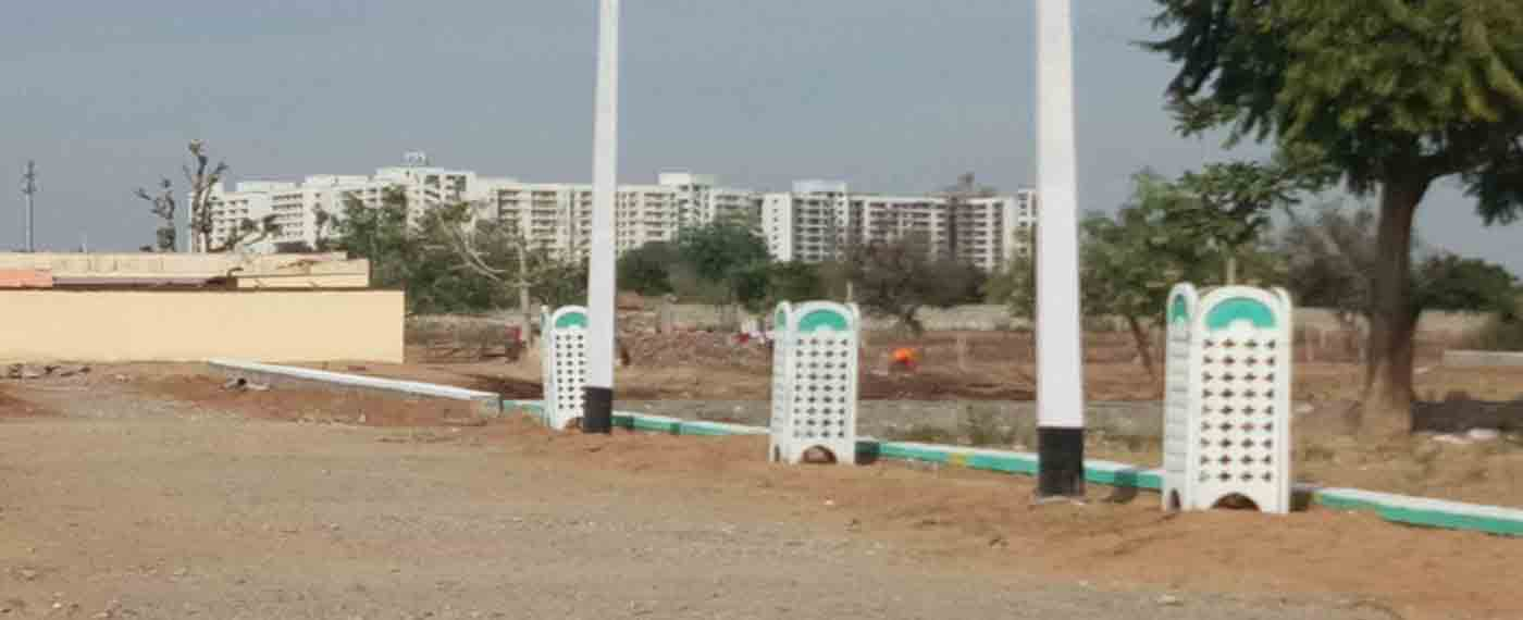 450 Sq Yards 100 Ft Wide Road Plots, Plots Royal Residency