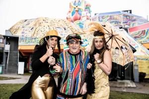 #FUNpalastwirdARTig #FUNpalastgoesART Singin' In the Rain with Johann Rumpf & the Funpalast Girls