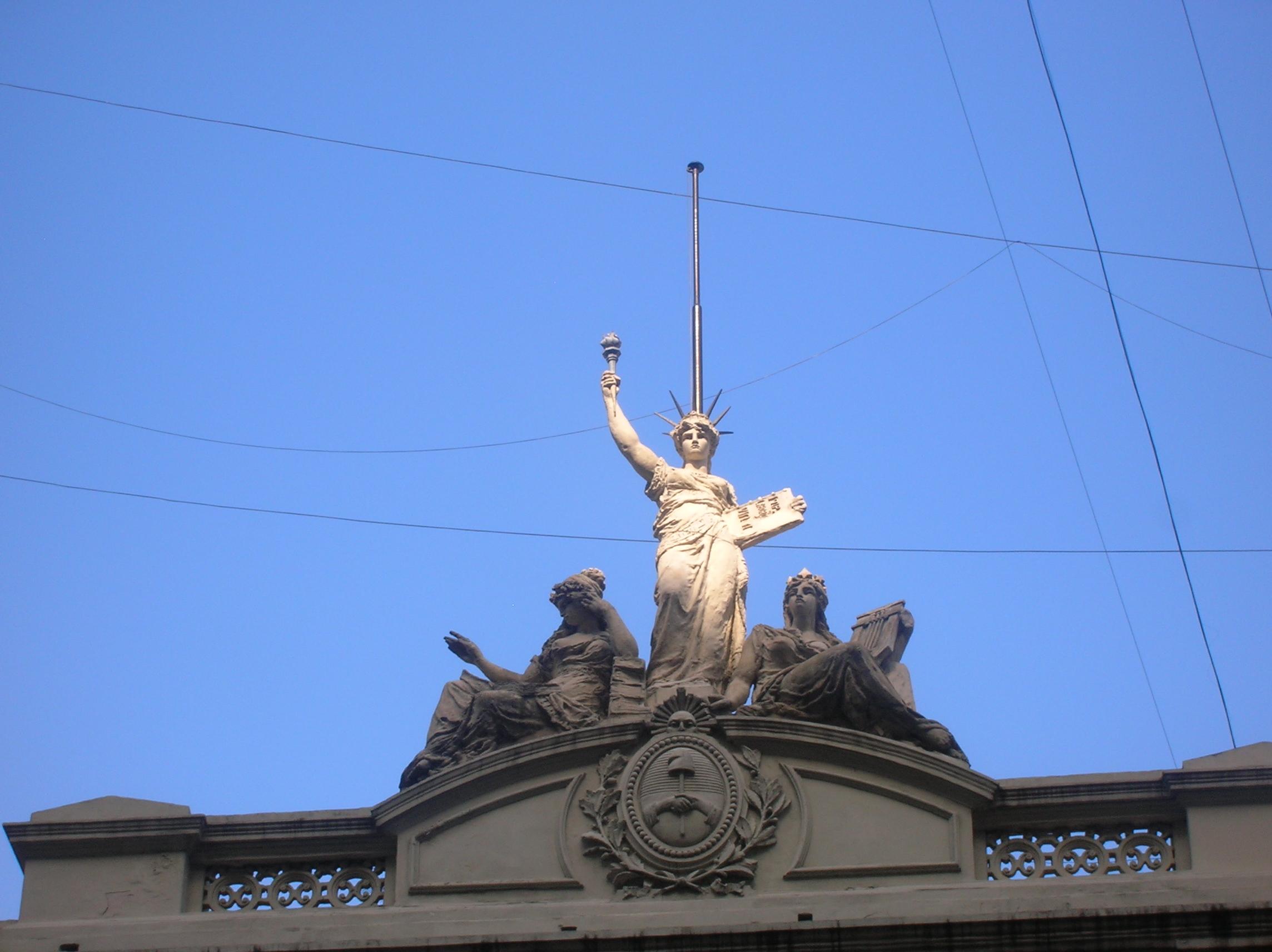 La estatua de la libertad argentina gustavo rivas for Interior estatua de la libertad