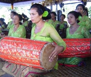 Balinese Women 2