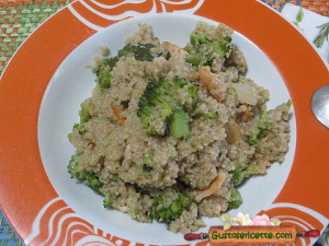 Cous cous integrale broccoletti e salmone, buono e sfizioso