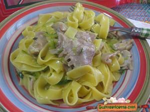 tagliatelle zucchine e coniglio, sfiziose e facili da preparare