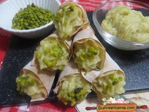 Coni di pasta phillo patate e pistacchio