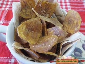 Chips di platano alla paprika