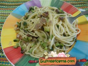 Spaghetti con asparagi zucchine e taleggio