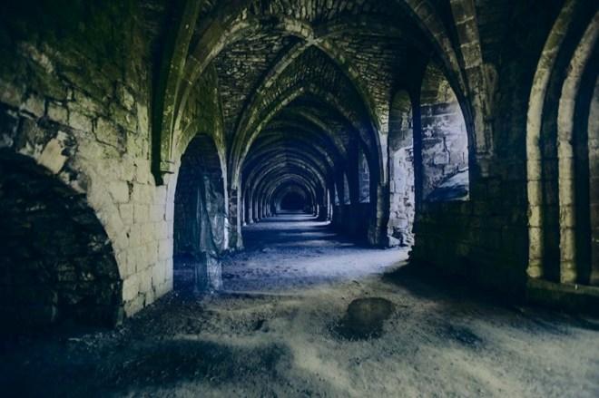In den alten Kellergewölben der Fountains Abbey spukt es bisweilen.