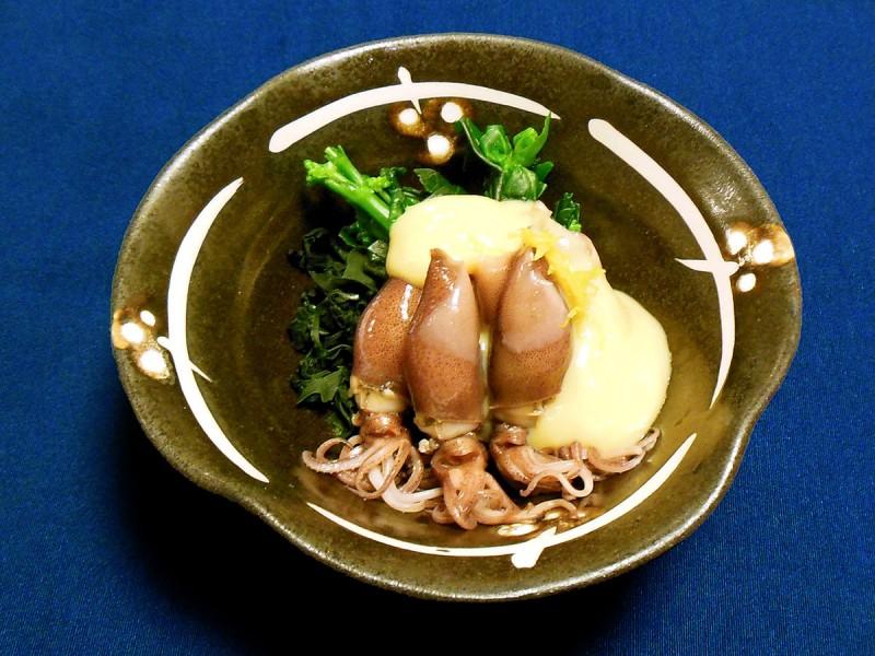 ホタルイカと菜の花の辛子酢味噌和え (嵯峨野 オンワードビーチリゾート)