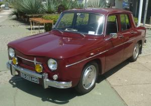 Renault8-1