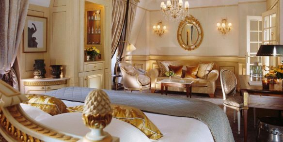 deluxe-junior-suite-528-at-le-meurice-paris