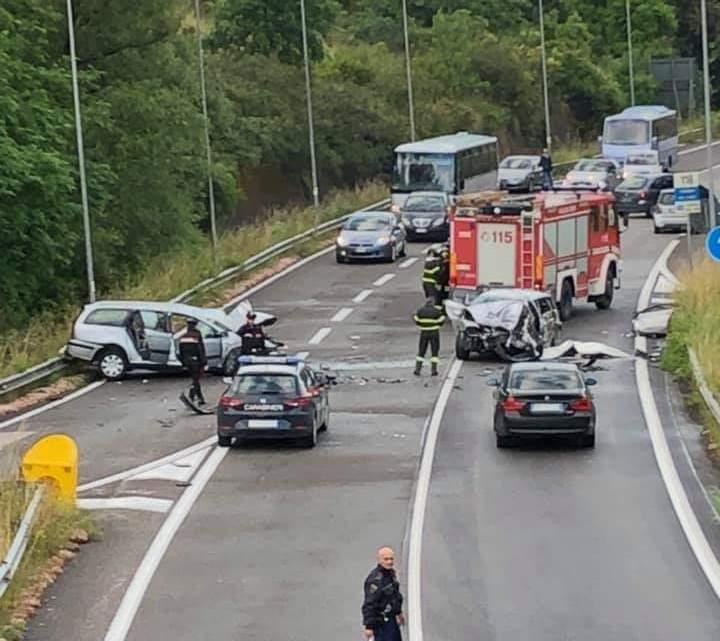 Incidente mortale sulla Cilentana: ci lasciano 2 giovani - AGGIORNAMENTO - - Gwendalina.tv